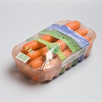 carrots - tray with stretch film